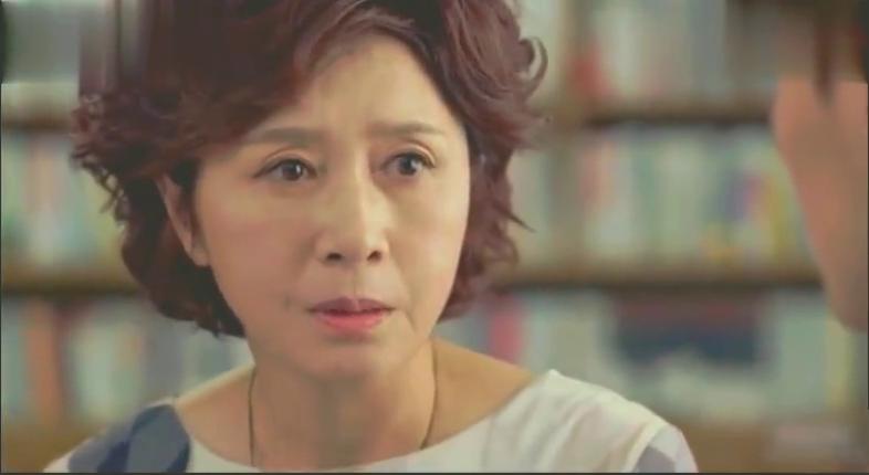 妈妈告诉李泰焕被绑架的不是他,李泰焕不愿相信