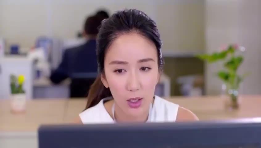姐妹:女孩被破格招进公司,连最基本的表格都不会,经理亲自教学