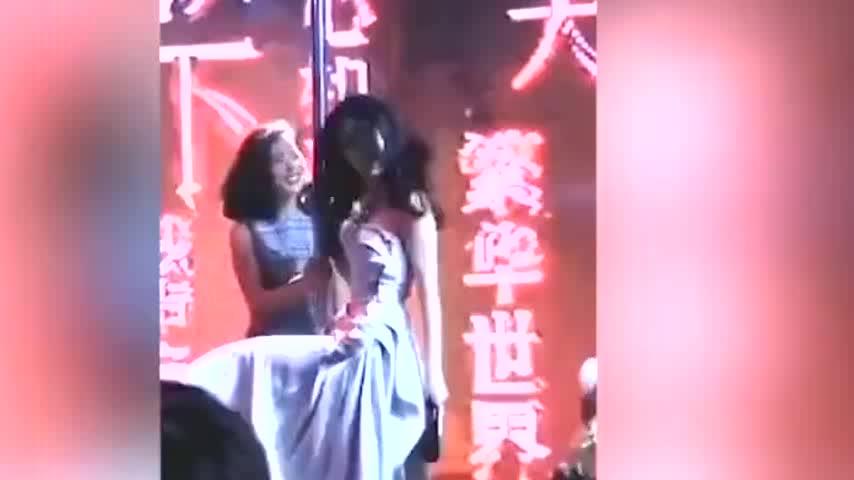 刘亦菲江一燕互飚钢管舞神仙姐姐害羞放不开江一燕舞姿超惊艳