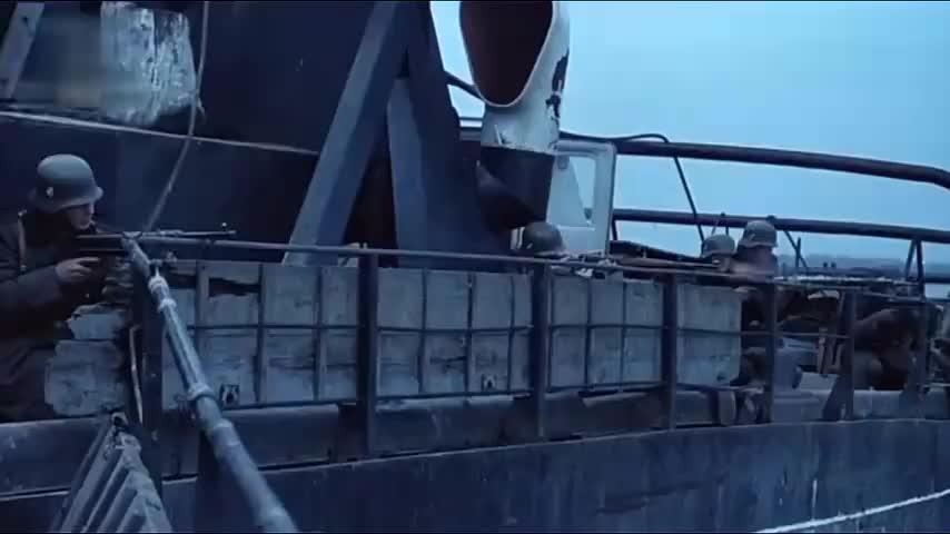 南斯拉夫二战经典,军队埋伏在岸边,袭击缴获德军船只