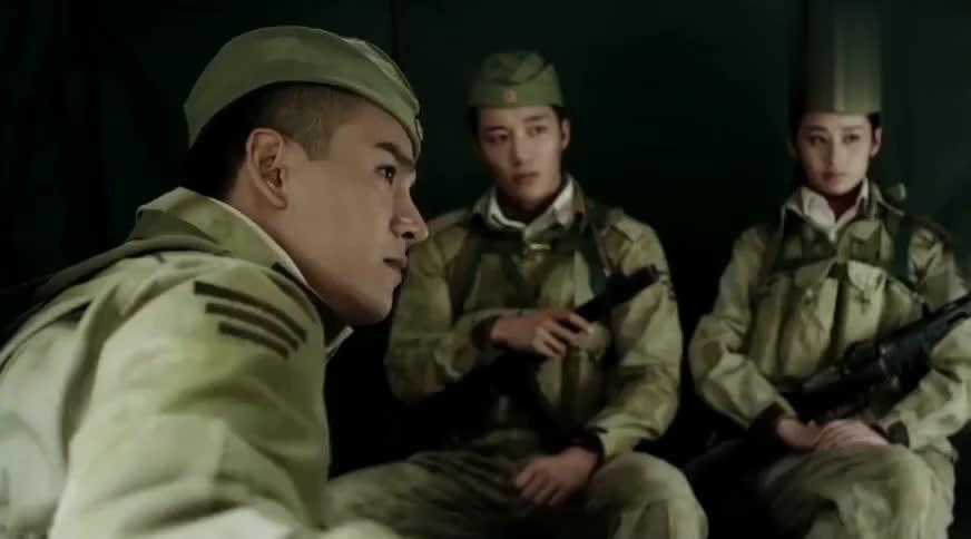 解密:新兵对抗演习,队长本想战前动员,哪知女兵一脸嫌弃队友