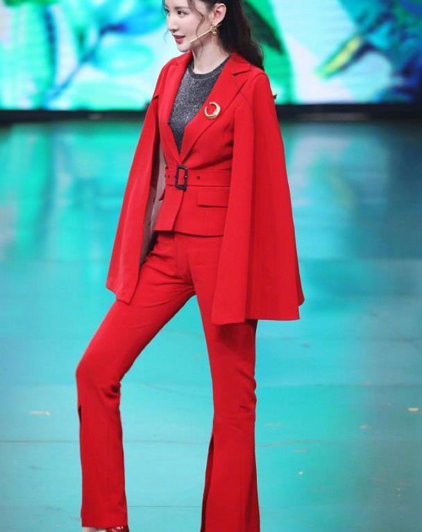 """张萌真是有气质,穿件红色薄纱礼服裙,身姿轻盈像""""仙女下凡"""""""