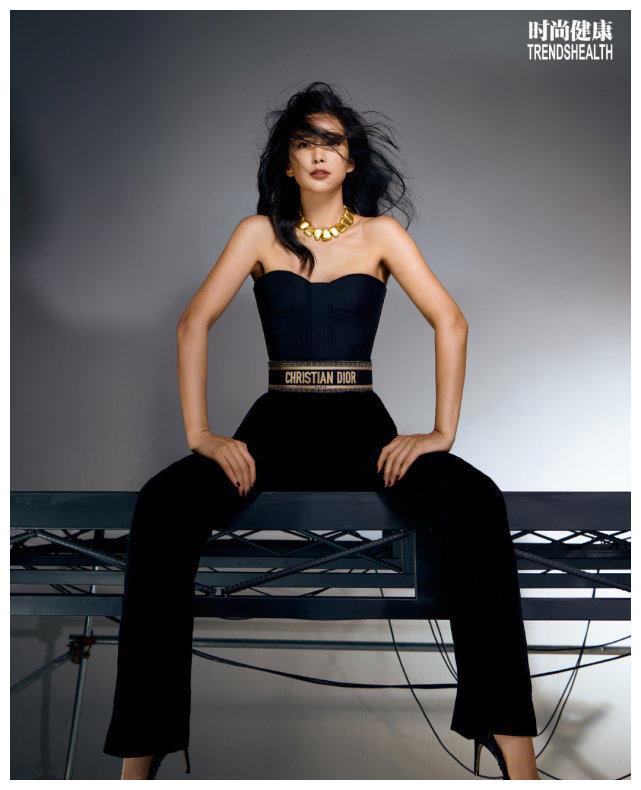 李冰冰封面大片:你是女性,就是最佳女主角