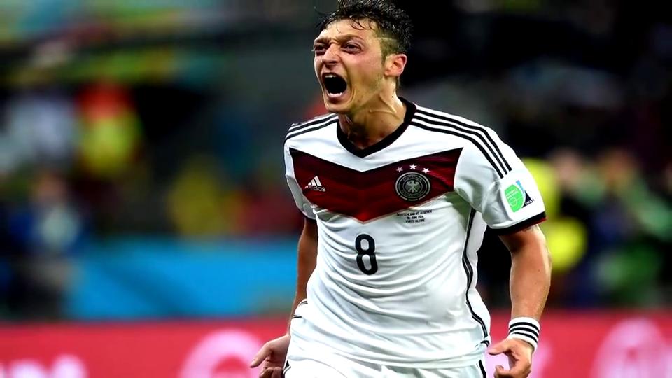 官方态度!德国足协称绝不存在种族歧视感谢厄齐尔的贡献