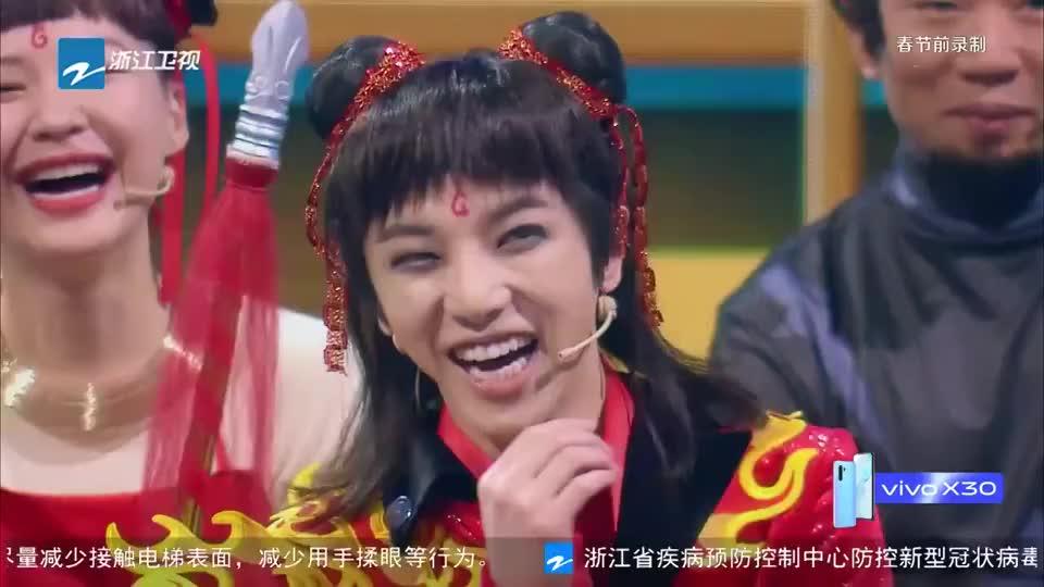 关晓彤cos艾莎,唯美演绎出了《冰雪奇缘》!