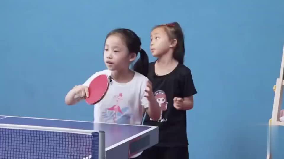 不愧是金牌教练!张继科爸爸培训小孩打乒乓球,的确有一套!