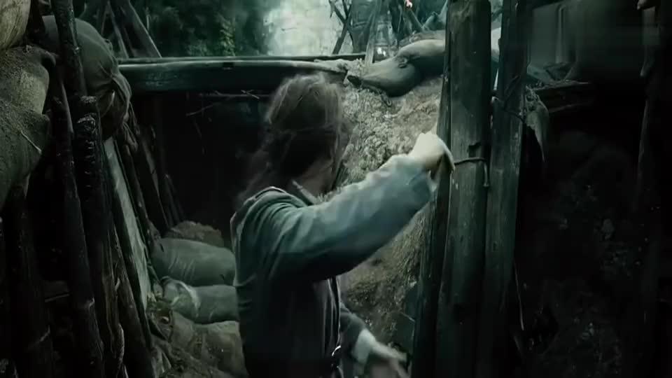 道士下山:他带着他逃出这个战地,却打的不可开交