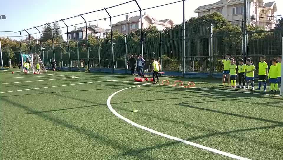 昆明少儿足球训练日志:培养动机和稳兴趣,使其始终保持主动性