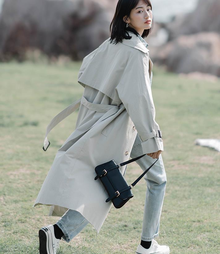 秋风四起,流行色风衣这样穿搭,时髦又洋气!