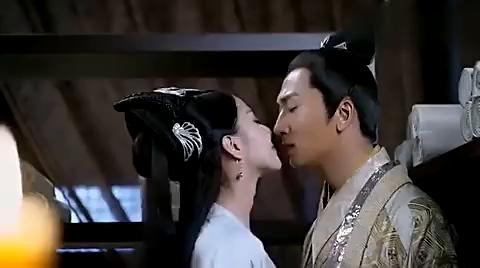醉玲珑:丫鬟把太子给迷住了,太子不让她离开!