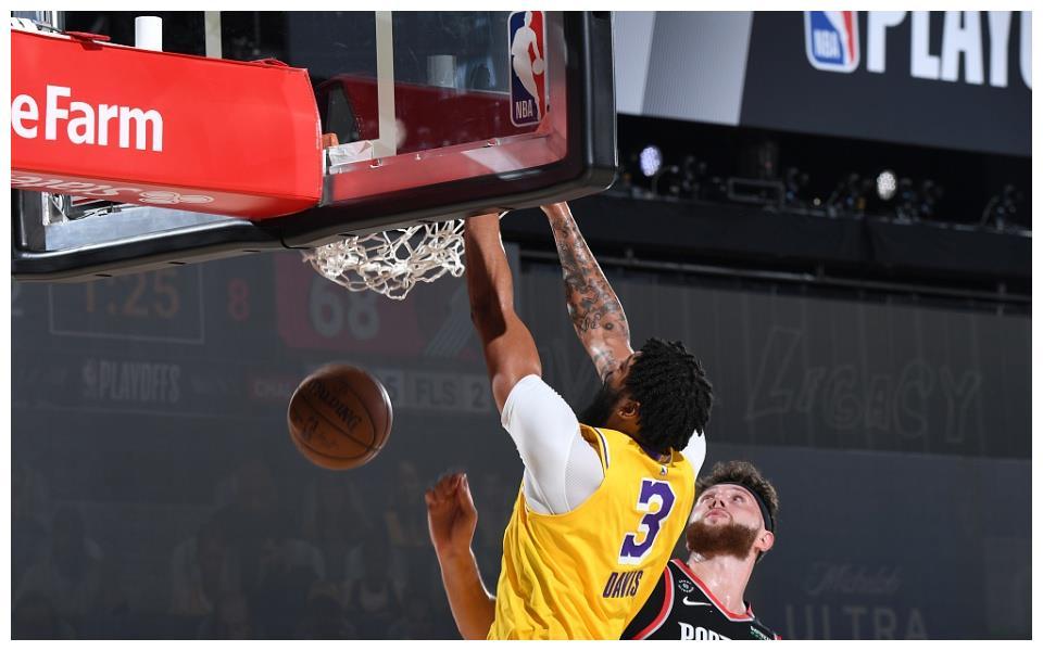 本赛季的NBA季后赛终于继续进行,洛杉矶湖人队迎来了跟波特兰开拓者队的系列赛第五战