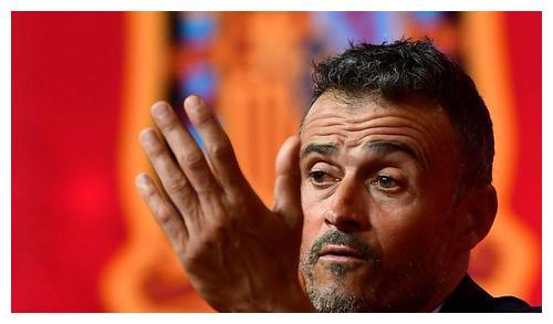 西班牙主场1-0小胜瑞士,迎来欧国联两连胜,以2分的优势排名D组第一
