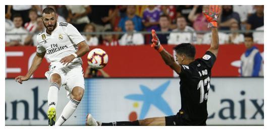 欧冠比国际杯强!本泽马4次登顶欧洲,没有大力神杯也不妨