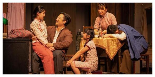 从武康路到安福路,来了一群上海话剧艺术中心组队的观众