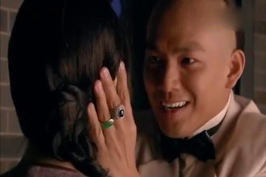 十月围城:阿纯没有误会,阿四感动的哭了,舒云在外面心情复杂!