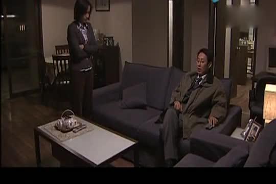 中国式离婚:老婆一本正经问老公,不料老公装糊涂,老婆气的痛经