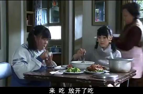 孙女太肥胖,哪料奶奶害怕饿着孩子一直给她肉吃,真是太溺爱!