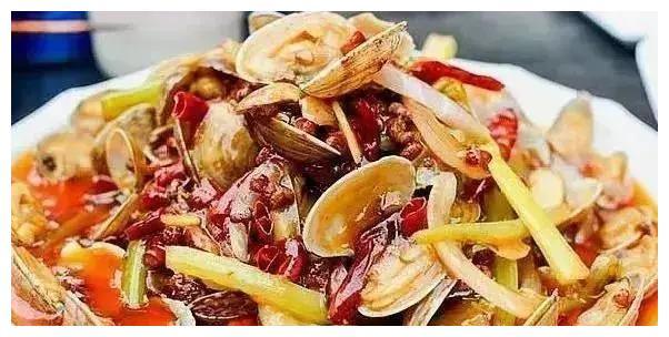 辣炒花蛤,口水鸡,冰镇咕噜肉,豉油蘑菇鸡丁的做法