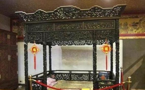 """""""中华第一床""""3吨沉香木估价4个亿 去年国庆期间,现身于山东"""