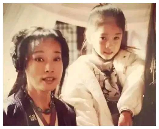 6岁时探班姐姐,被导演意外看中,新晋小花旦张雪迎佛系发展