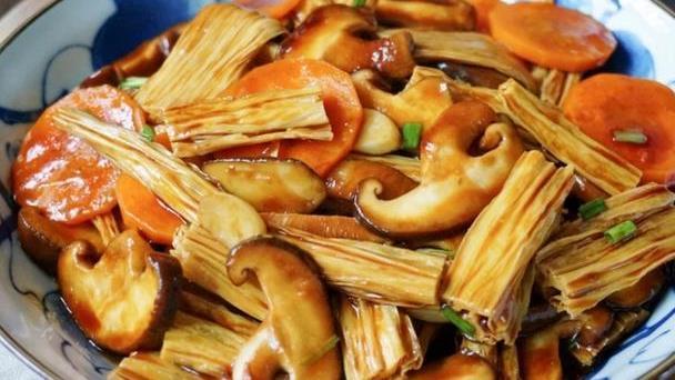 """腐竹和香菇是""""天生一对"""",比炒肉还好吃,我家每次都光盘"""