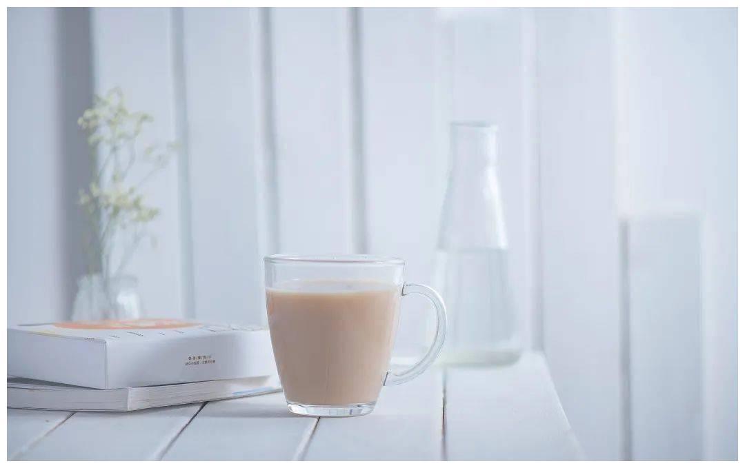 奶茶是如何吸引萌妹们的?