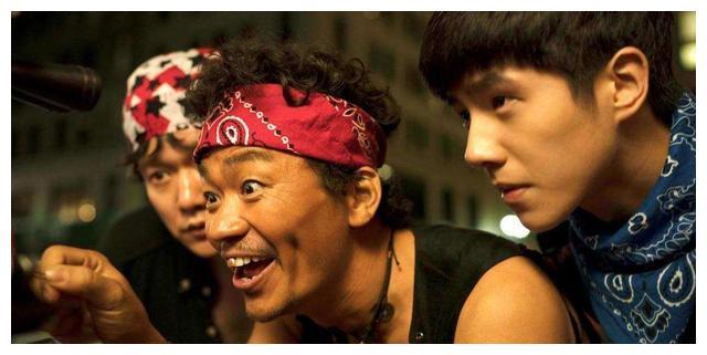 马蓉潇洒快活,王宝强有了新恋情,听说监狱里的宋喆抑郁了