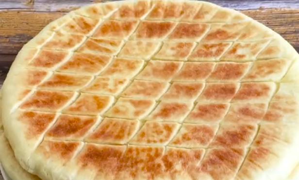楼下5元一张的早餐大饼,经常排队买不上,教你在家做,蓬松酥软