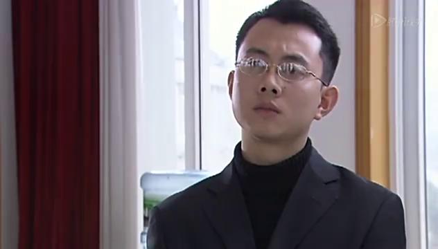 外国人为中国考生出车祸大发雷霆,中国老师态度令人心寒