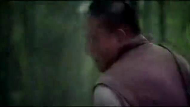 八路军神枪手躲避鬼子狙击手射击 这么近就是打不到气不气 !