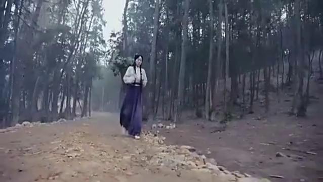 女子行走在郊外,被人追杀,而且是熟人