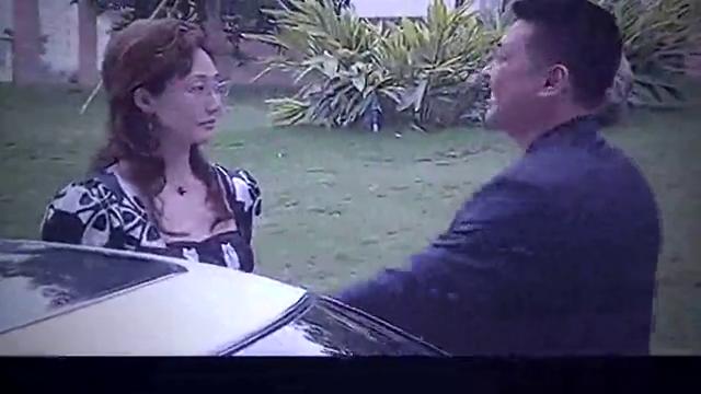 方晓平跟总裁幽会,被一篇广播给吓醒,瞬间失去兴趣