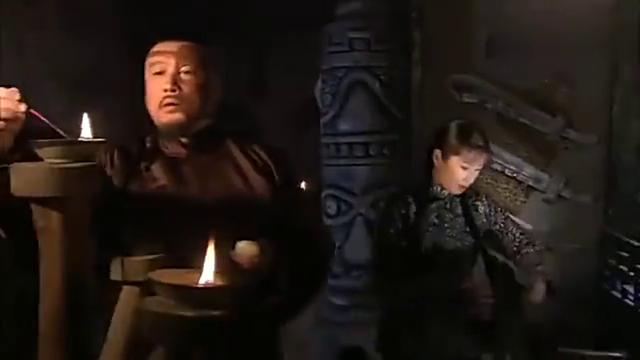 大漠枪神:大莲挑拨老刀把子和山寨弟兄关系,真是不简单的女人