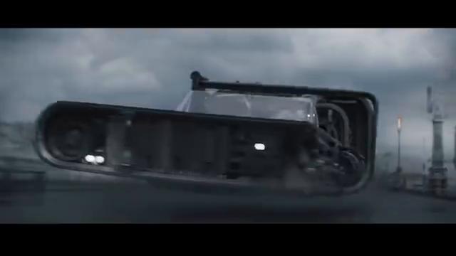 《游侠索罗:星球大战外传》片段,开空中飞车真是过瘾
