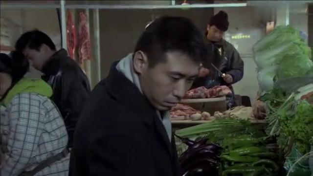 小伙吹嘘自己切肉刀法好,谁料一刀下去,二斤切成五斤亏大了