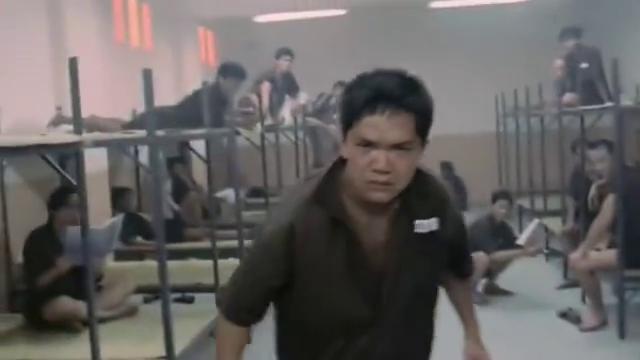 刘德华版监狱风云,只因给囚犯们露了这手绝活,瞬间变成监狱老大