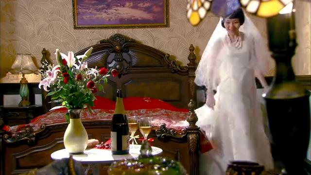 小伙终于娶到富家千金,怎料大婚之日,小伙就露出真面目!