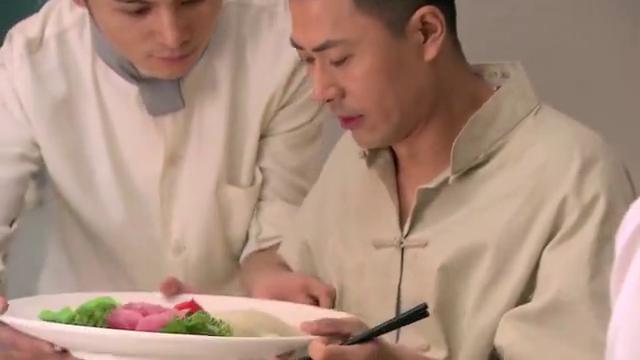 后厨:白楠吃过姜署鲤鱼后,要求拜师学艺,徐冰要他离开金纱