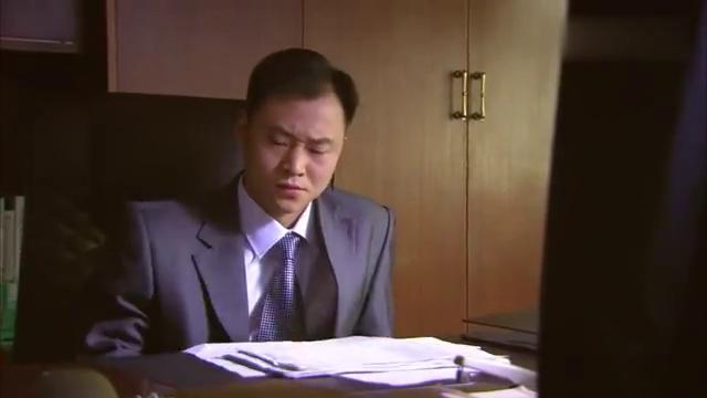 小伙拿回扣被发现,没等老板教训,竟直接霸气辞职
