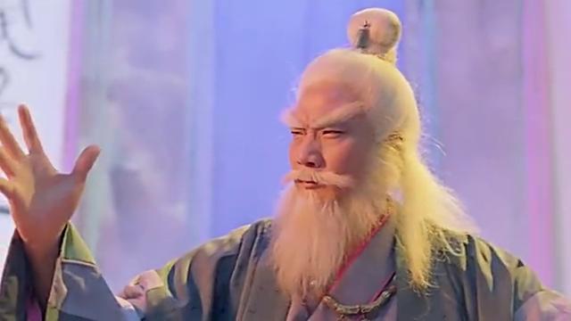 林文龙来到藏兴阁,结果被人要求和自己下一盘棋