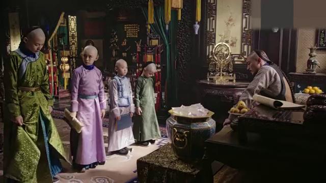 如懿传:皇帝教训永璋不用心读书,还好五阿哥为他求情,手足情深