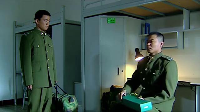 士兵突击:成才把许三多比喻成一棵树,自己却是电线杆,真不容易