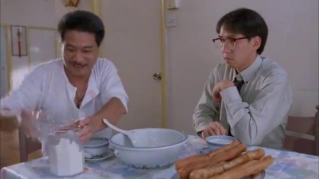吴孟达绝对是料理界的奇才,咸蛋用盐罐腌臭豆腐放鞋里,绝了!