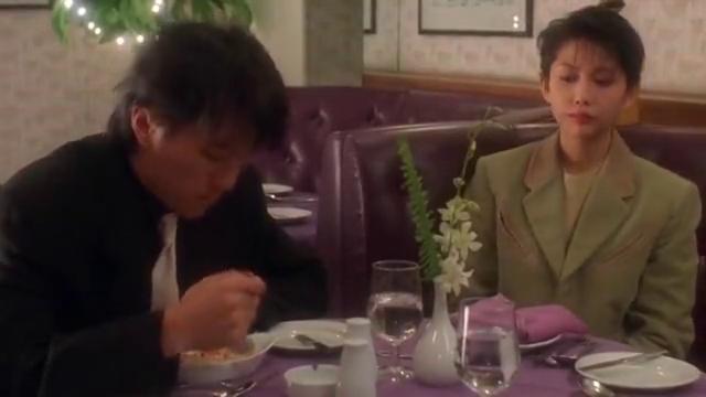 整蛊专家,餐桌上只剩下了星爷和邱淑贞,星爷可算是把她快整疯了