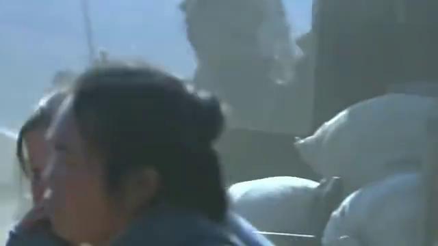 刘备携百姓向江陵溃逃,诸葛亮让关羽找刘琦搬救兵