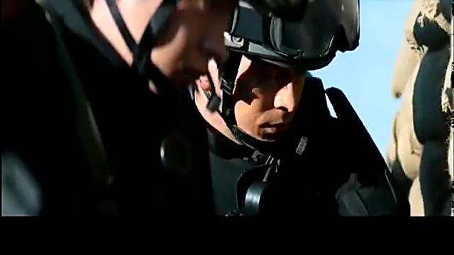 一部火力全开的战争猛片,上百把伍兹冲锋枪疯狂扫射,破坏力惊人