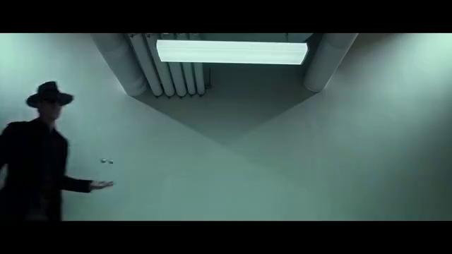 万磁王入侵五角大楼,只靠俩铁球解决战斗,成功拿到他的战盔