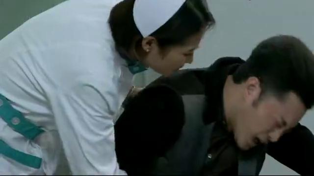 老公来医院输液,老婆就是护士-你再哭,再给你灌两瓶