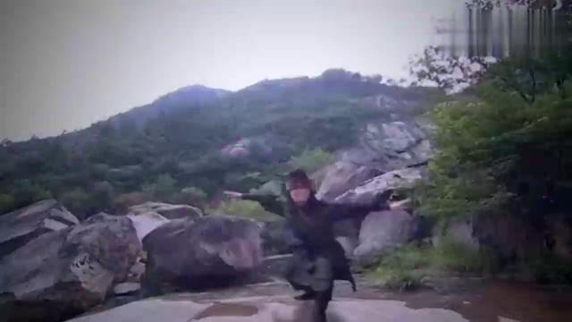 天仙配:大侠苦练霹雳神掌,一掌下去,整个山丘都冒烟了