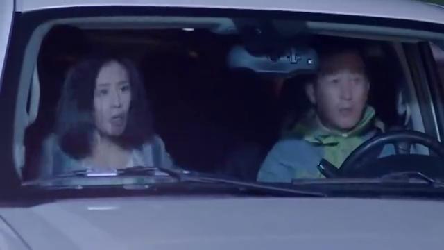 《婚姻时差》老人家拦车救人,正好看到总裁他们,这下子有救了